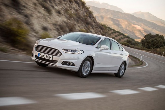 Ford_Mondeo_Hybrid_1