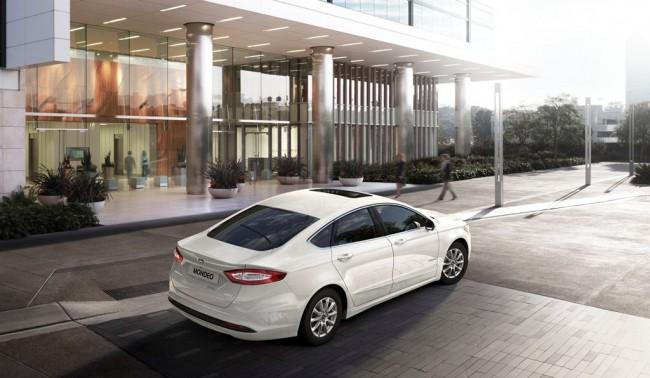 Ford_Mondeo_Hybrid_8