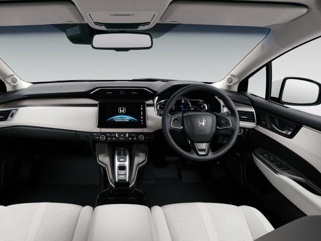 honda_clarity-fuel-cell-concept-2015_r1.jpg