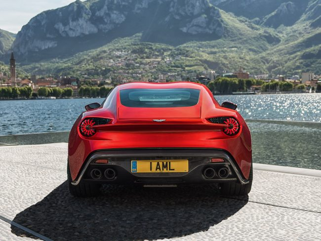 Aston-DBX_Concept_01